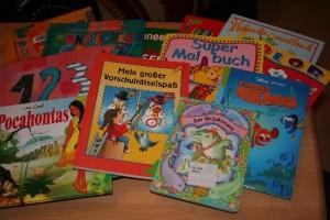 Kinderbücher und Malhefte für Flüchtlinge