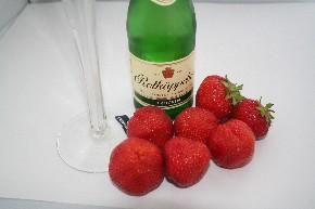 Erdbeeren zum Sekt