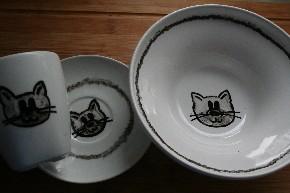 Katzenmotiv auf Tasse, Teller und Müslischale