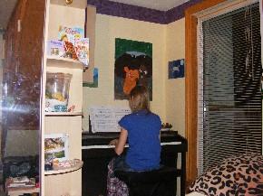 Ich kann ihrem Klavierspiel Stunden zuhören.