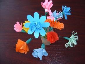Papierblumen selbst gebastelt