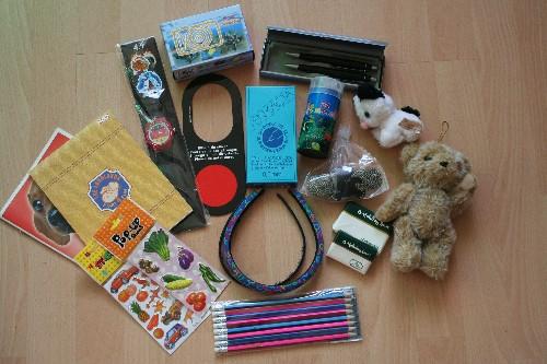 Weihnachten im Schuhkarton 2014 - Geschenke für ein Mädchen