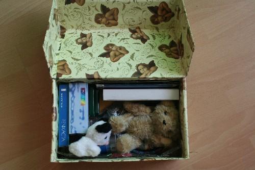 Weihnachten im Schuhkarton 2014 - Geschenke für ein Mädchen eingepackt