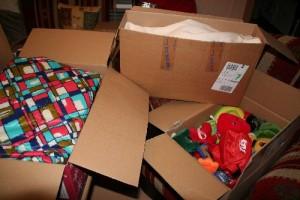 Solidarität - 3 Pakete für DRK-Aktion für Flüchtlinge