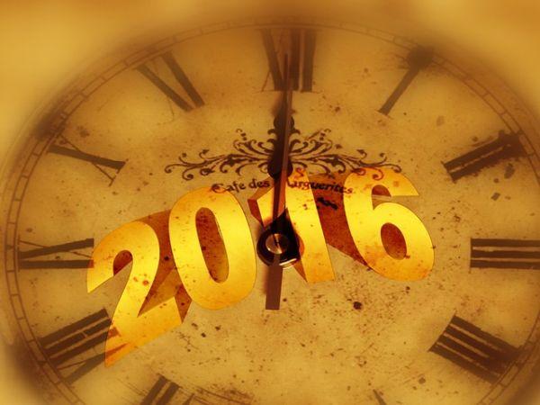 Die Uhr schlägt 12 - Prosit Neujahr 2016